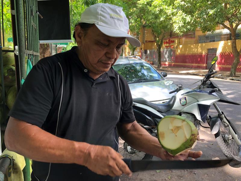 Edilson Jorge Ferreira, Comerciante  Reforma de bancos e lixeiras da Praça Batista Campos.