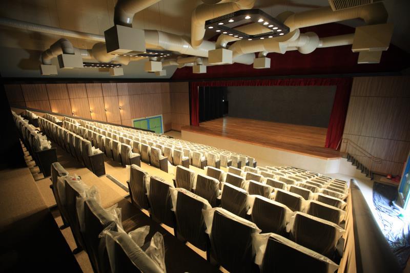 A inauguração do Liceu de Música de Bragança, neste dia 15, pode ser entendida como acontecimento de rotina de governo, mas a entrega das instalações, que ocupam um prédio da primeira metade do século passado, e um teatro contemporâneo, tem um significado para além dos acontecimentos de agenda da administração pública.  FOTO: MÁCIO FERREIRA / AG. PARÁ DATA: 14.12.2018 BRAGANÇA - PARÁ