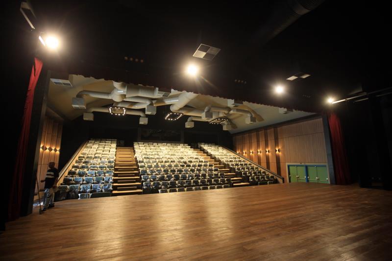 O Liceu de Música de Bragança conta com um teatro com capacidade para 300 pessoas, cozinha, refeitório, fonoteca, sala de planejamento, secretaria e 10 salas de aula para ensino da música. Todo o espaço foi pensado para formação livre de músicos de toda a região nordeste do Pará.