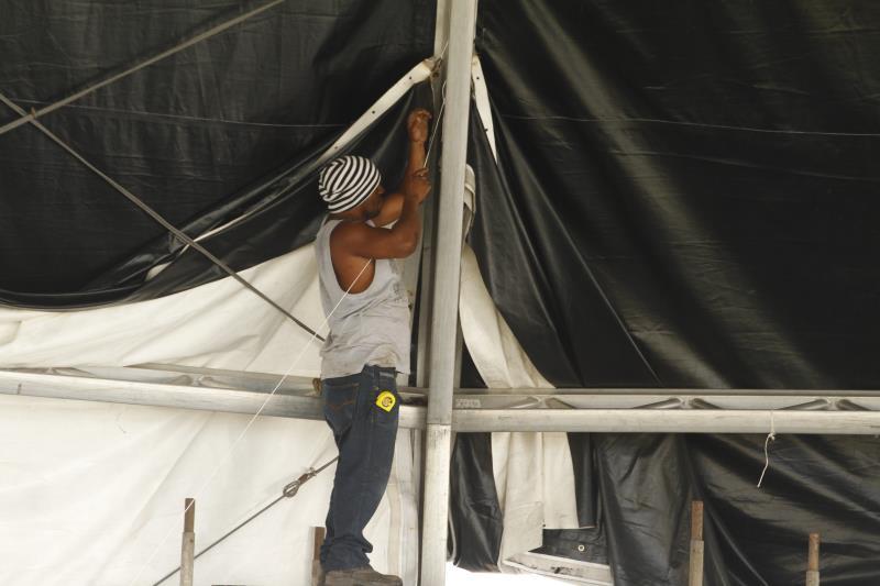 O trabalho na estrutura do palco está em ritmo acelerado. Tudo para garantir a diversão de quem escolheu passar o réveillon em Belém.