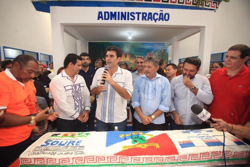 """""""A pauta da geração de emprego no Marajó é absolutamente fundamental para que esse povo possa viver melhor"""", disse o governador."""