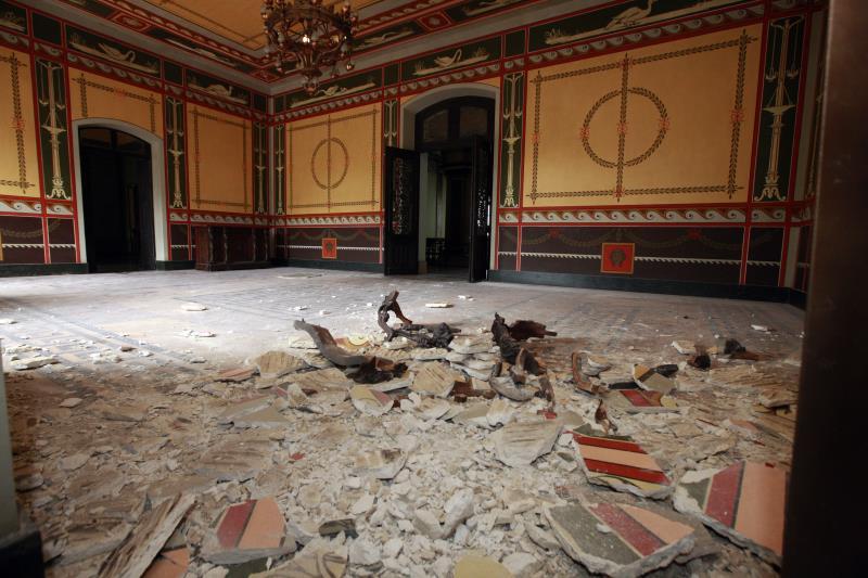 """""""Esse episódio demonstra que, ao longo do tempo, não se fez, de forma preventiva, a manutenção da estrutura, não apenas deste prédio, mas de outras estruturas históricas do Estado"""", disse o governador em visita."""
