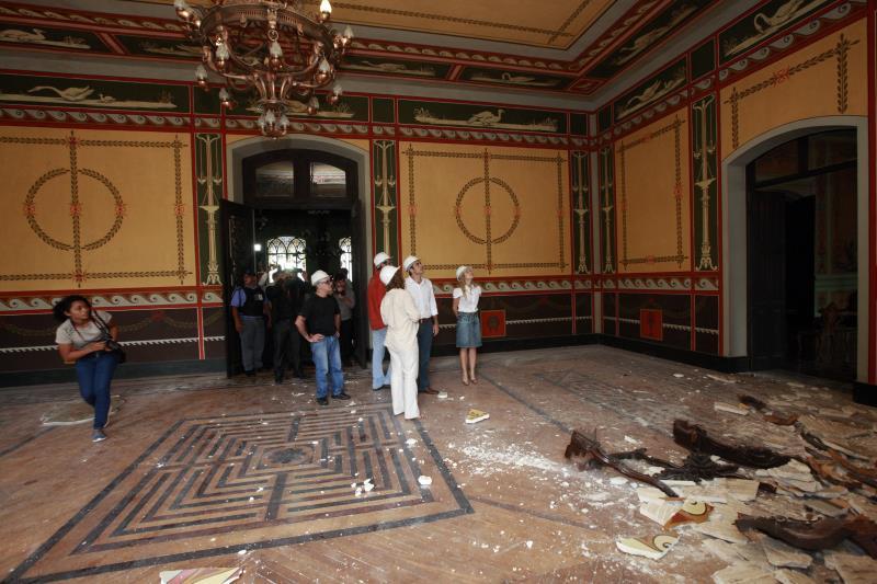 Será aberto processo para obra emergencial de restauro da parte estrutural do teto do Palácio Lauro Sodré, após o desabamento de parte do forro do Salão Histórico, nesta sexta-feira (25).