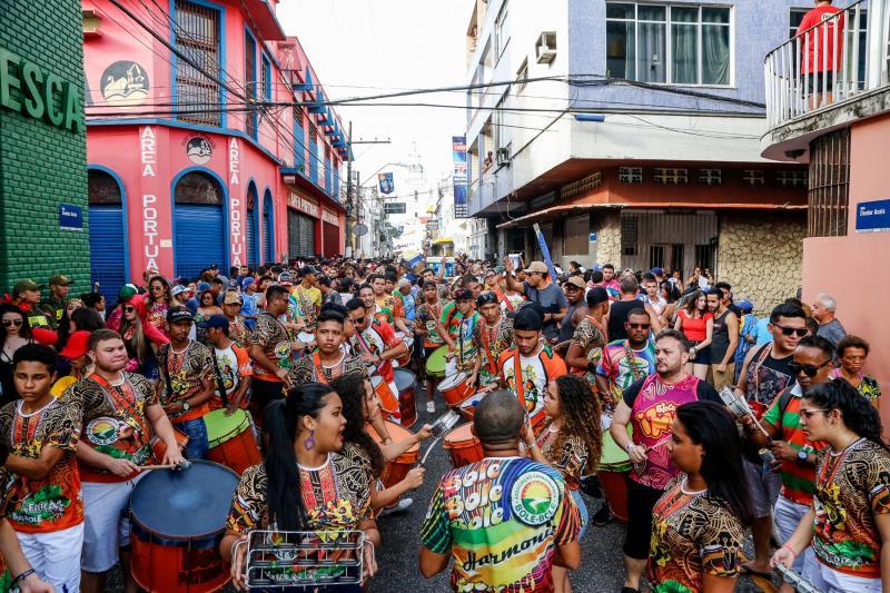 O Carnaval só inicia em março, mas o folião já tirou a fantasia de casa e começou a aproveitar o pré-Carnaval de Belém 2019.
