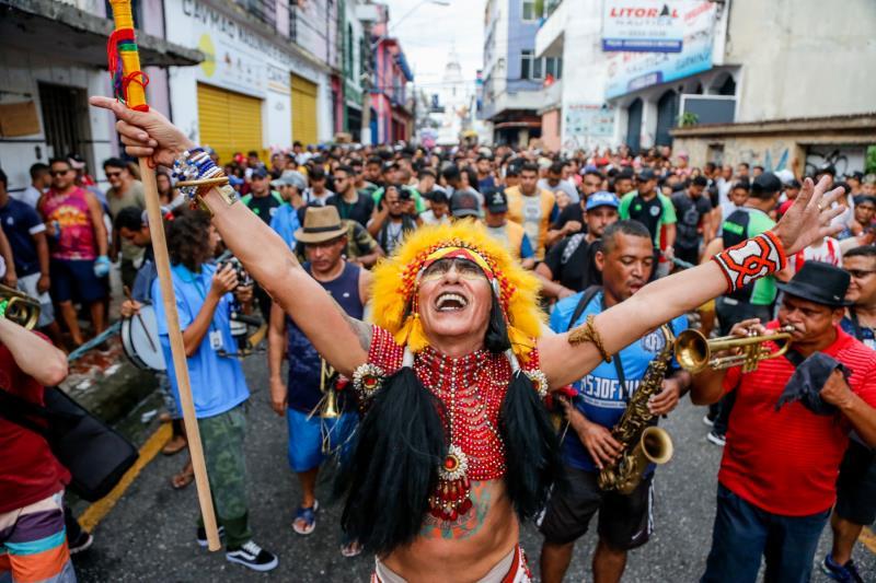 O sábado, 26, foi de festa nas ruas da Cidade Velha, com os blocos Pump e Ilove, que agitaram quem passou pelo bairro.