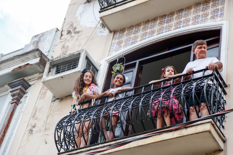 Os moradores da Cidade Velha aprovaram a animação dos blocos, e  acompanharam tudo de perto.