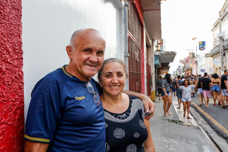 """A estrutura está muito boa,  estamos achando tudo de bom"""", disse o militar da reserva, Abdias dos Santos, acompanhado da esposa, a dona de casa Vânia dos Santos."""