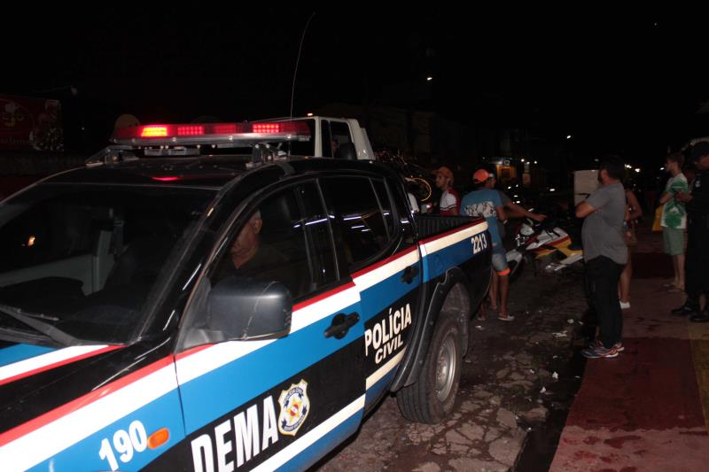 A ação policial foi realizada de forma conjunta por policiais civis e militares, guardas municipais e agentes de trânsito do Detran e Secretaria Municipal de Trânsito de Ananindeua. No total, estiveram em atuação cerca de 70 agentes.