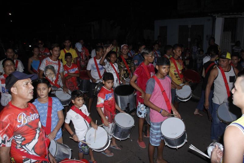 O tradicional carnaval na Vila, que será realizado no dia 1º de março, deve ter a participação de três escolas de samba e cinco blocos carnavalescos.