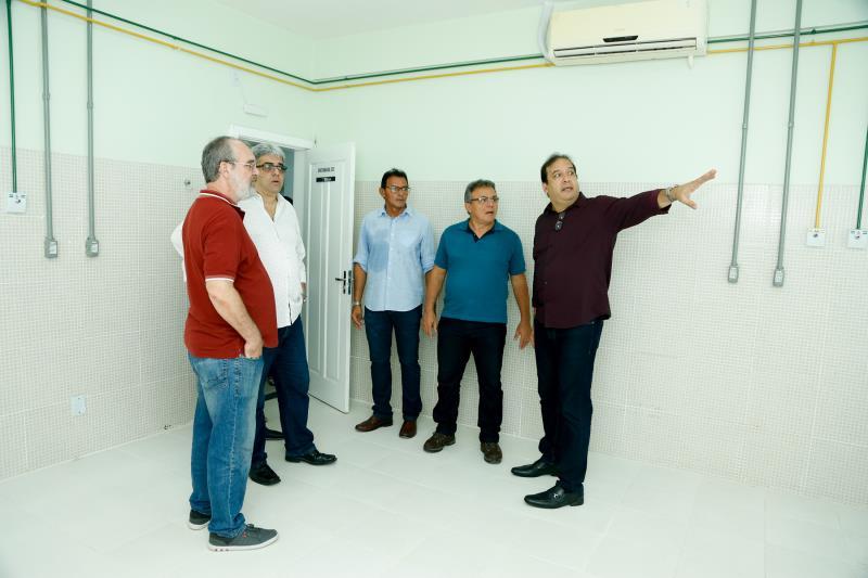 O prefeito de Belém, Zenaldo Coutinho, visitou a obra na manhã desta quinta-feira, 31, acompanhado do titular da Sesma, Sérgio Figueiredo.