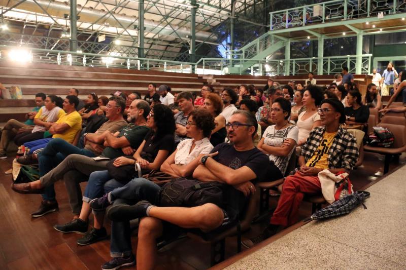 Durante a reunião foram apresentadas demandas específicas, como a necessidade de salas de ensaios e a dificuldade de custear o preço das pautas dos teatros.