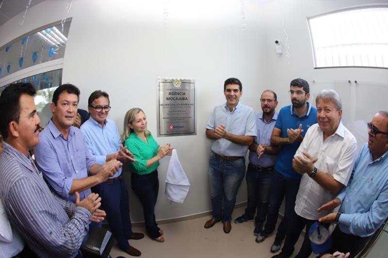"""""""É muito importante para Mocajuba a inauguração de uma agência bancária. O município estava há dois anos sem agência e esse banco tem a característica do fomento, do atendimento ao comércio"""", disse a prefeita do município, Fátima Braga."""