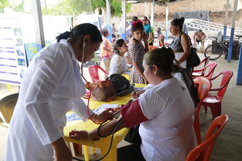 A ação visa beneficiar centenas de pessoas com serviços como emissão de carteira de trabalho, palestras na área da saúde, atendimentos médicos, testes rápidos para detecção de doenças e vacinação.