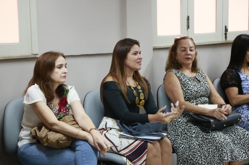 Adriana Azevedo, da Funpapa, e Socorro Aquino, da Semec (ao centro), estiveram presentes à visita inicial