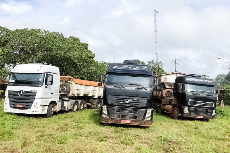 Oito caminhões foram apreendidos em fiscalização da Semas, em Marabá.