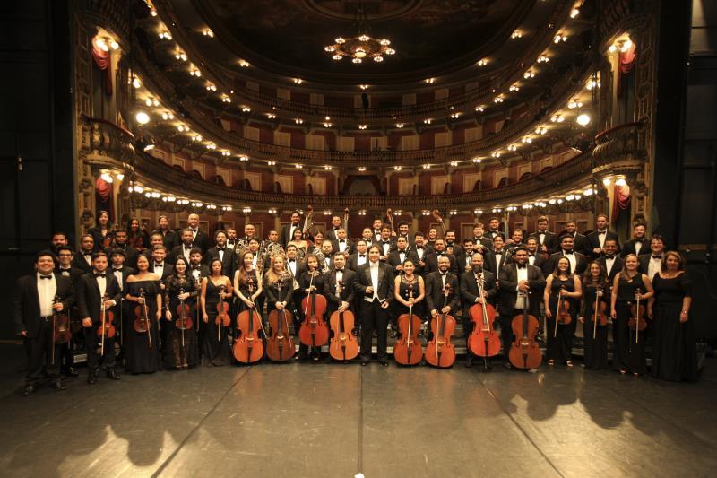 A OSTP, que abriu a temporada 2019 se apresentando no Liceu de Música de Bragança, volta ao palco do Theatro da Paz para receber o pianista mineiro Fernando Calixto, em sua primeira apresentação em Belém