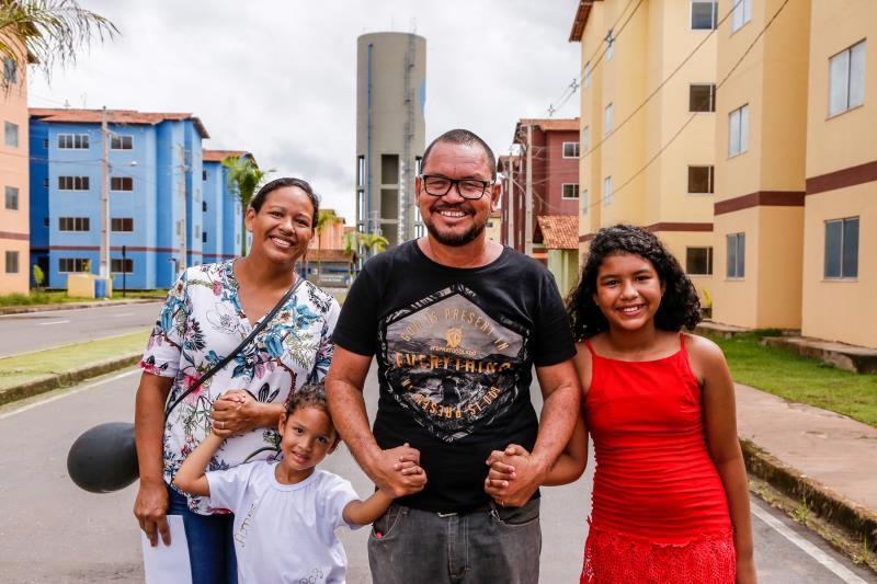 Família de Valdenice do Rosário Pinheiro e Sandro Carlos foi conhecer o Residencial Quinta dos Paricás