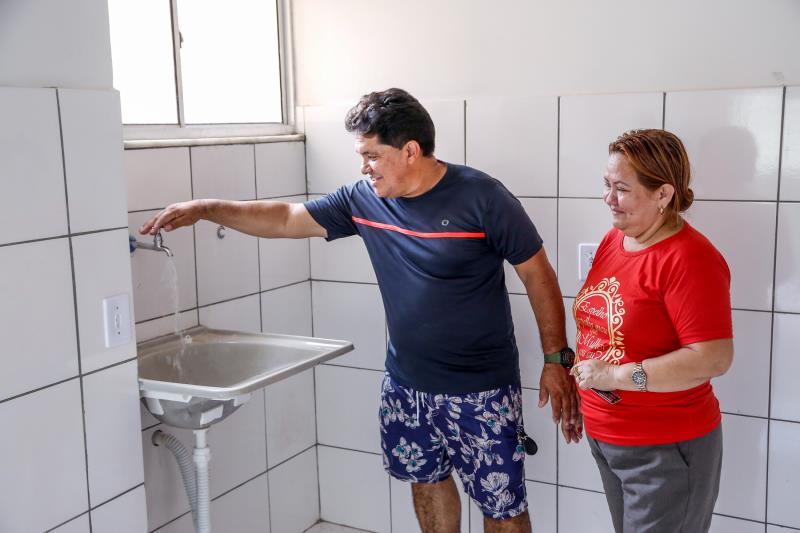 O casal Everaldo e Edna Ferreira e ficou maravilhado com a nova moradia