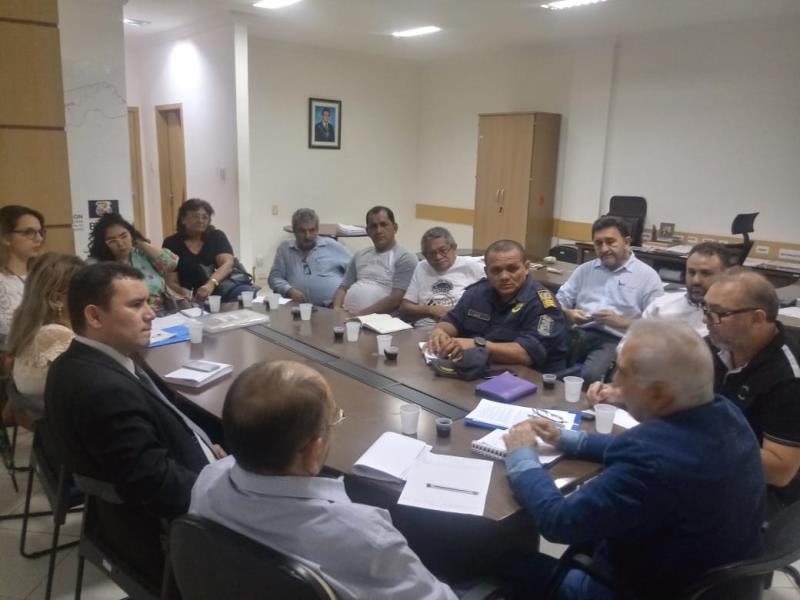 Órgãos públicos e privados se reuniram na sede da Secon para deliberar sobre a venda de pescado na Semana Santa