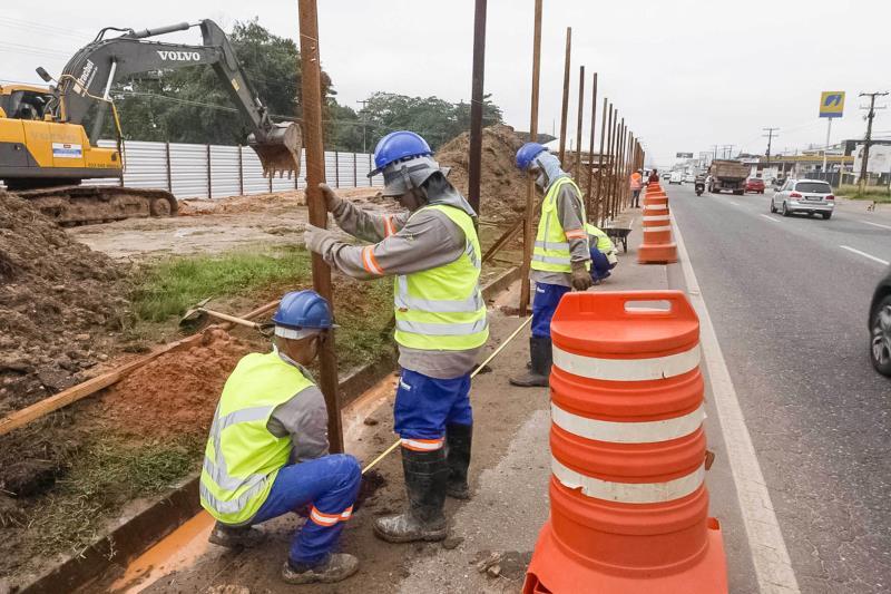 Já estão sendo realizados os trabalhos de tapume, sondagem para a substituição de material onde for necessário e lançamento de concreto.