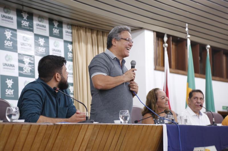 O prefeito de Belém, Zenaldo Coutinho, participou da cerimônia de acolhimento dos novos servidores temporários da Semec