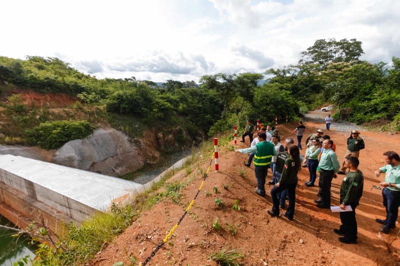 Equipes da Semas, Promotoria de Justiça, Defensoria Pública do Estado e Defesa Civil inspecionaram a estrutura da barragem de quase 42 metros de altura em Canaã dos Carajás