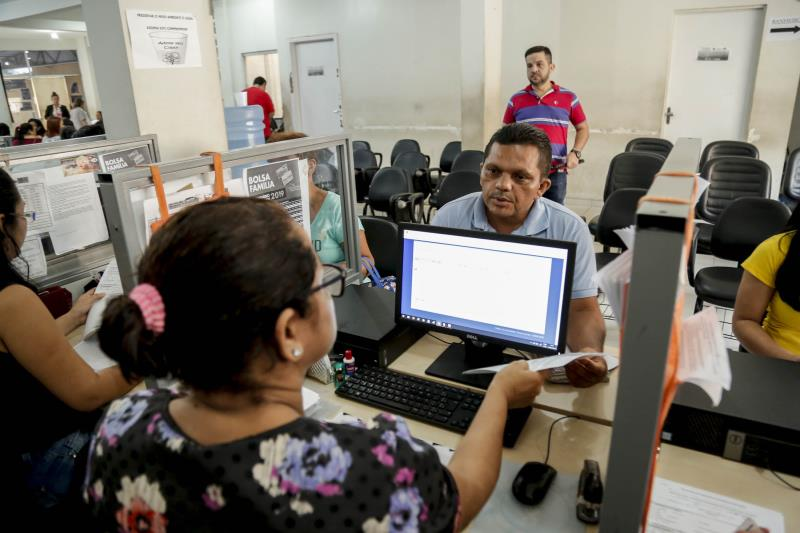 As famílias também foram inscritas nos benefícios como o Bolsa Família, de acordo com a necessidade de cada uma