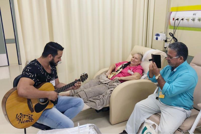 A musicoterapia é destaque dentro da programação do Março Lilás, campanha de combate ao câncer uterino, na Unacon, em Tucuruí, no sudeste paraense.