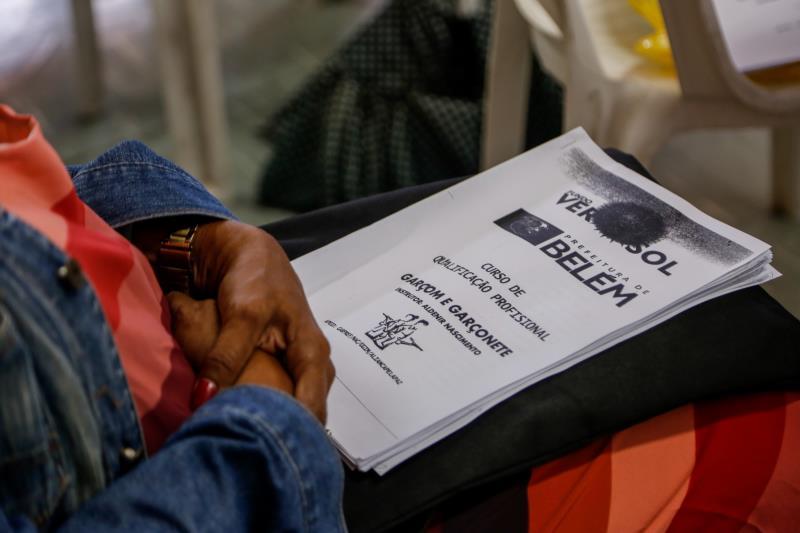 O Fundo Ver-o-Sol oferece cursos semanais gratuitos para a população.