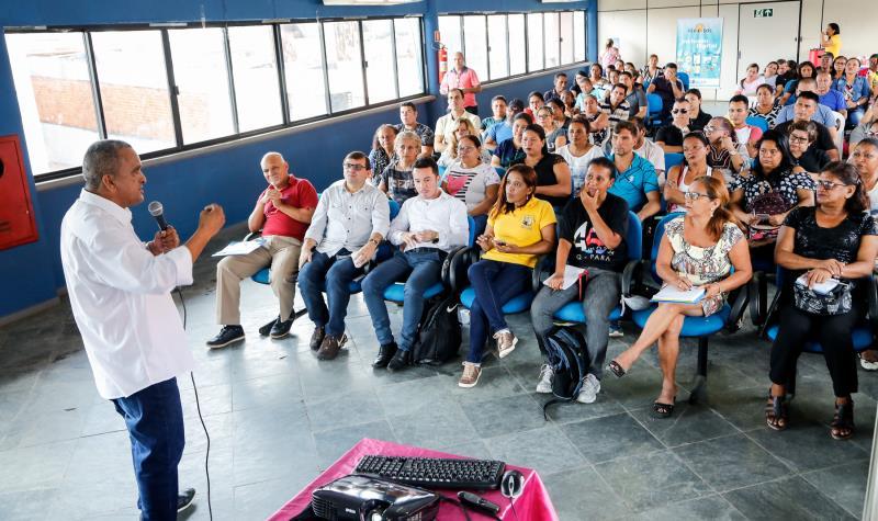 A Prefeitura de Belém, em uma reunião integrada, apresentou cursos e recursos para quem foi ao auditório da Sejel buscando oportunidades