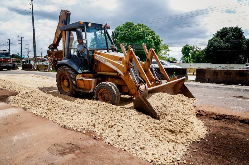A Prefeitura de Belém está atuando intensamente não somente na recuperação das pistas, mas também no trabalho de pavimentação de vias.