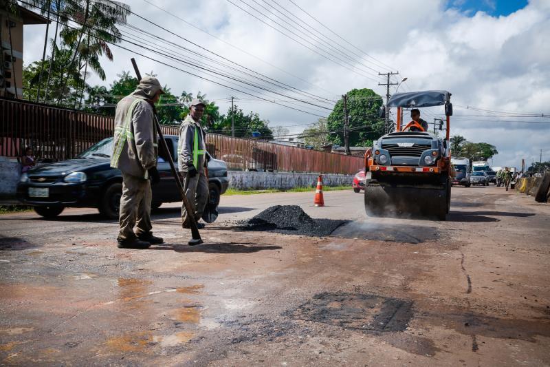 A avenida Augusto Montenegro já estava no cronograma da operação tapa-buraco para ser atendida nas próximas semanas, mas, por ser uma via de fluxo intenso de veículos.