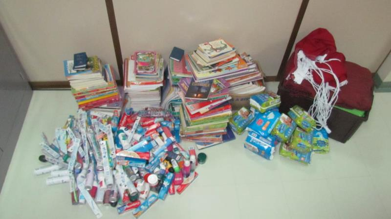 Parte do material arrecadado pelos funcionários para beneficiar os usuários do Hospital Regional do Marajó