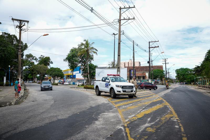 Agentes da Semob e da Guarda Municipal marcaram presença na ilha.