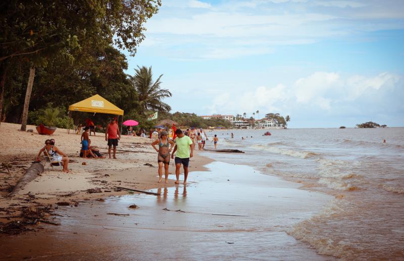 A ilha de Mosqueiro possui 17 km de praias de água doce.