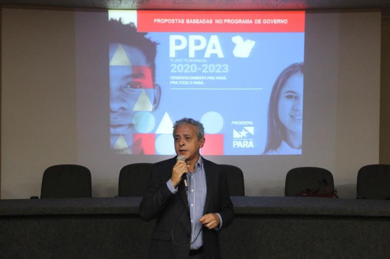Augusto Miranda, da área de Planejamento da Sefa, durante o encerramento das Oficinas Regionalizadas Temáticas do Plano Plurianual (PPA) 2020-2023