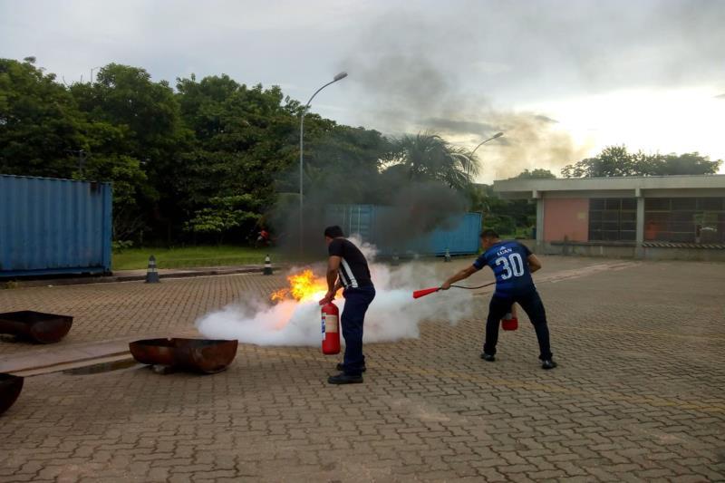 Colaboradores estão em treinamento para aprimorar técnicas de primeiros socorros, resgate de vítimas e combate a incêndio