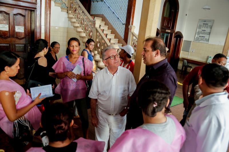 O secretário Sérgio Amorim (à direita) disse que o plano fortalece a confiança entre  as gestantes, a Secretaria e os hospitais