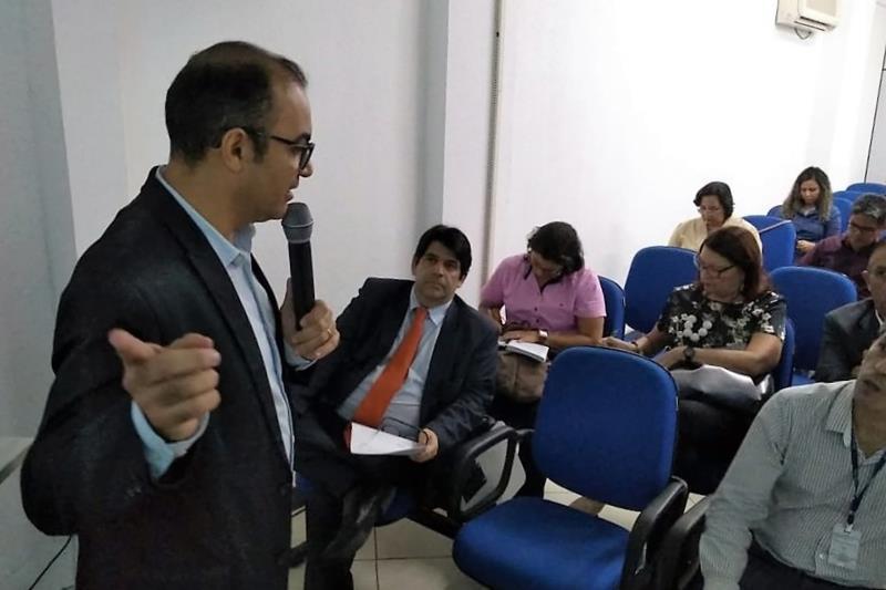 A 14ª Reunião do Núcleo Estadual de Arranjo Produtivo Local (NEAPL), na sede da Secretaria de Estado de Desenvolvimento Econômico, Mineração e Energia (Sedeme), alinhou iniciativas em curso e discutiu novas proposições para o colegiado, que reúne representantes do setor público, da iniciativa privada e de entidades de classe, como a Fundação Amazônia de Amparo a Estudos e Pesquisa (Fapespa) e a Federação do Comércio do Estado do Pará (Fecomércio), além do Banco da Amazônia e outras instituições.  FOTO: ASCOM / SEDEME DATA: 09.05.2019 BELÉM - PARÁ