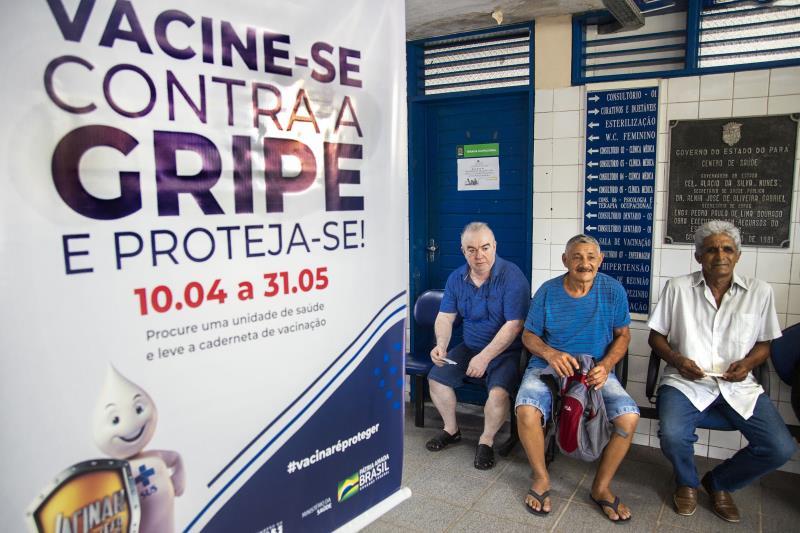 Entre os grupos prioritários para vacinação contra a gripe, os idosos estão entre os mais atingidos pelo agravamento das doenças respiratórias
