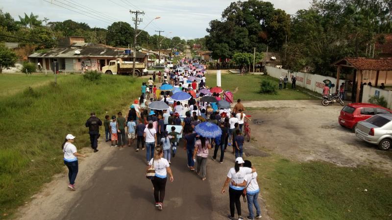 A caminhada marcou a abertura da 12ª edição do Projeto Direito de Ser Criança e Adolescente.