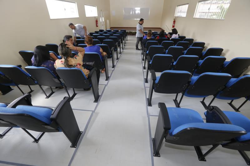 A nova escola também dispõe de um auditório para 80 pessoas