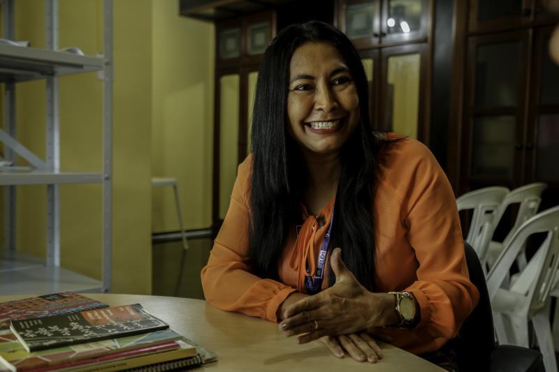 Dedicada, Rosiane Torres trabalha no Creas do Marco, uma das cinco unidades especializadas da capital que atende pessoas que se encontram em situação de violação de direitos, como vítimas de violências físicas e sexual.