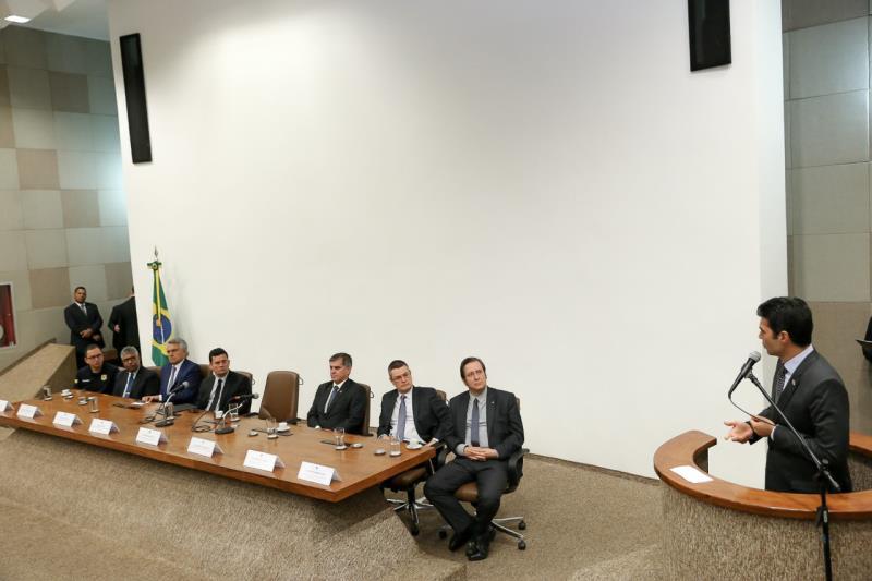 O município de Ananindeua, na região metropolitana de Belém, foi um dos cinco selecionados no Brasil para receber a implementação de um projeto piloto, realizado pelo Ministério da Justiça, na área da segurança pública e promoção social. O anúncio foi feito, na manhã desta quarta-feira (15), pelo governador Helder Barbalho, durante o lançamento do Programa Nacional de Enfrentamento à Criminalidade Violenta que acontece em Brasília (DF).  FOTO: JAILSON SAM / DIVULGAÇÃO DATA: 15.05.2019 BRASÍLIA - DF