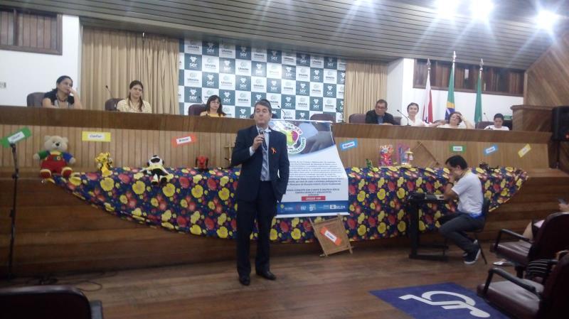 """O juiz de Direito da Vara de Execução Penal, Deomar Barroso, apresentou o projeto """"Inocência Roubada"""", desenvolvido junto à Semec"""