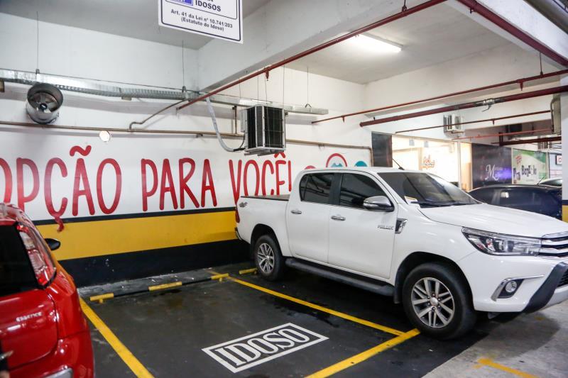 Código de Trânsito Brasileiro e passou a permitir que agentes de trânsito sejam acionados para atuar em estacionamentos privados.