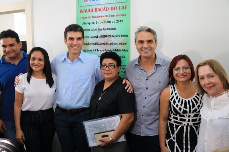 O governador Helder Barbalho após a inauguração da Central de Abastecimento Farmacêutico (CAF) do Hospital Santo Antônio, que tem convênio com o Governo do Estado