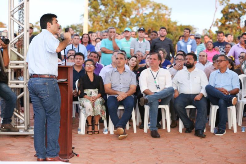"""""""Queremos trazer desenvolvimento para essa região, através do que se produz e se exporta, além de acreditar na geração de emprego"""", reiterou o chefe do Executivo"""