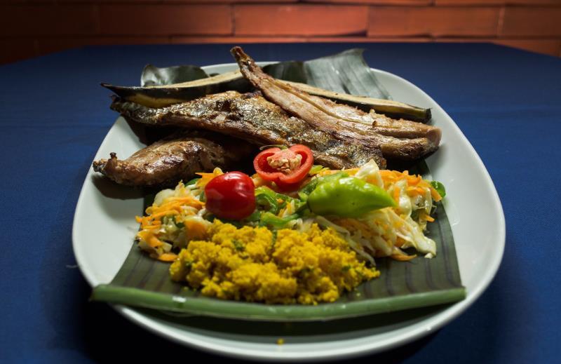 """Dez restaurantes do Sal participarão da iniciativa inspirada no assado de brasa na praia, chamado de """"avuado""""."""
