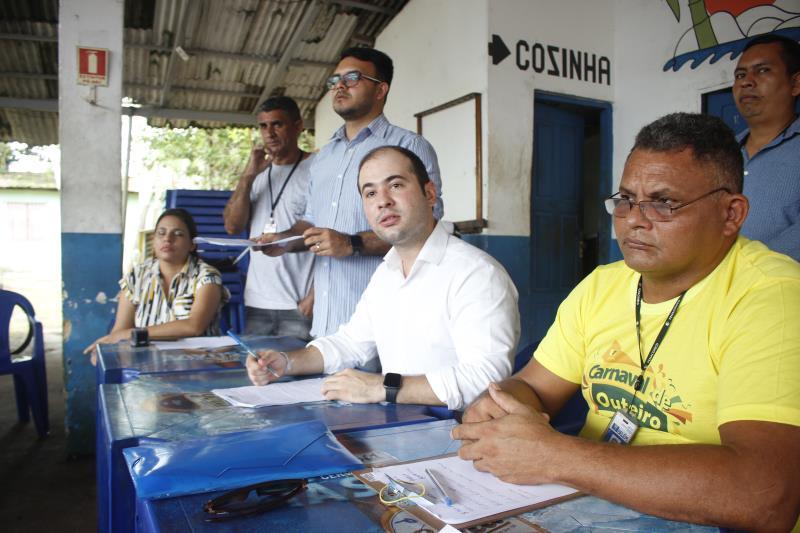 Yan Miranda, titular da Arout, comandou a reunião, que reuniu cerca de 60 permissionários.